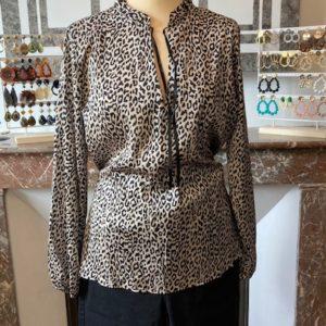 blouse léopard noir et beige